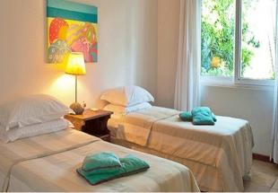 Twin Room, Casas Brancas