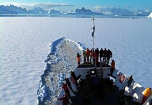 Cruise%20in%20Antartic