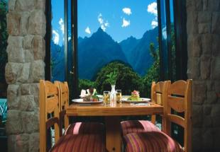 perou-sanctuary-lodge-terrasse.jpg