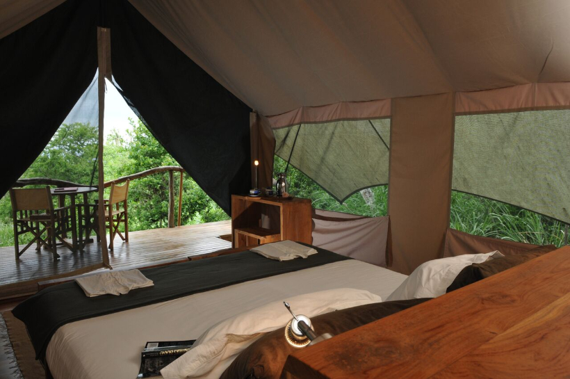 safari20camp20interieur20tente.jpg